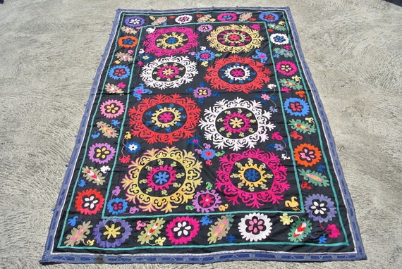 Beautiful Vintage Uzbek Suzani Flowered and Colorful Traditional Designs Tribal Hand Needle Work / 65,74''x 96,45''