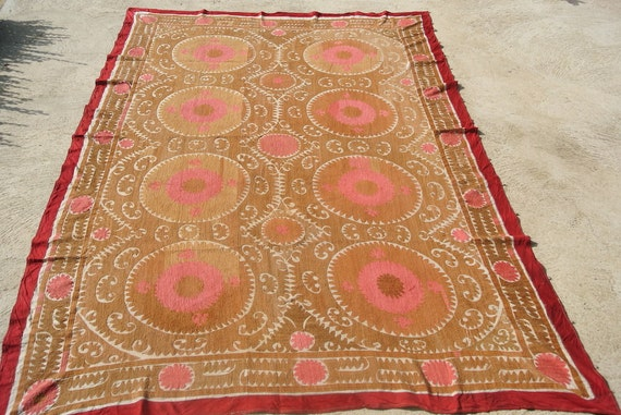 Stunning Uzbek suzani, cotton hand embroidered suzani throw, Large antique suzani embroideries from Central Asia / 85''x114,5''