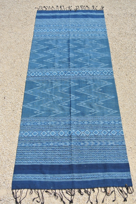 Old Indigo Dyed Textile, Tribal Lao Traditional handwoven Cotton blanket, Throw / 31'' x 83,5'' - 79 x 212 cm