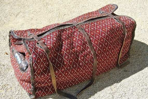 Large Three-dimensional Modern Designed Handwoven Camel Bag in Blue and Deep Red / 17,3''x 38,6''H:11,8''