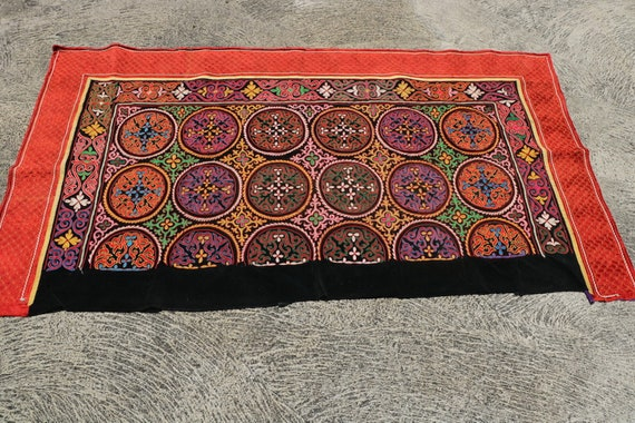 Unusual Colorful Vintage Handcrafted Wall Decoration, Nomadic Kazakh Tus Kiis / 51,18''x 92,9''