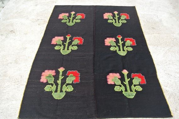 Amazing Vintage Plain Weave Rug, Floral Patterns Hand Knotted, Central European Carpet, Yugoslavian Rug / 62,6''x89,96''
