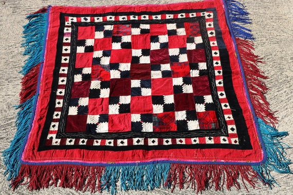 Vintage Uzbek Patchwork Textile, Tribal Wall Hanging, Korak Mirror Cover / 39,38''x 41,74''