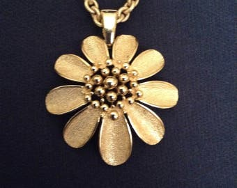 Vintage Crown Trifari gold-tone Chain Necklace with Flower Pendant /   20 inch chain