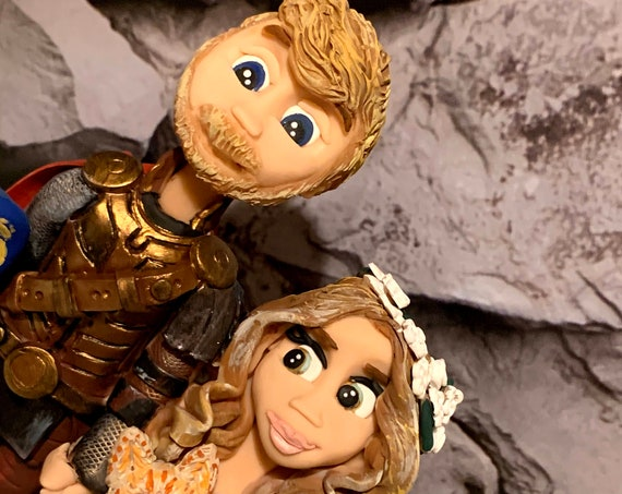 Personalised Wedding Cake Topper - figurines bride and groom/Same Sex Couple Thor/Cosplay/Comic con