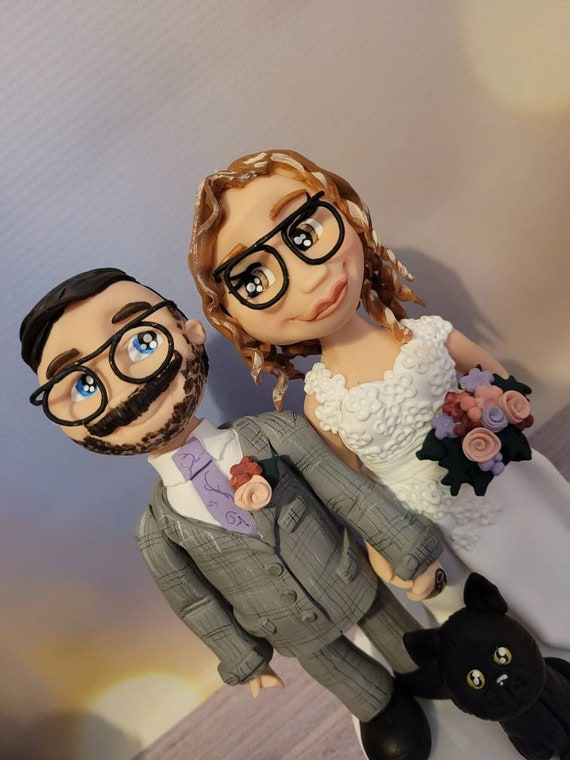 Personalised Wedding Cake Topper - figurines bride and groom/Same Sex Couple plus sized couple/curvy bride Wedding couple