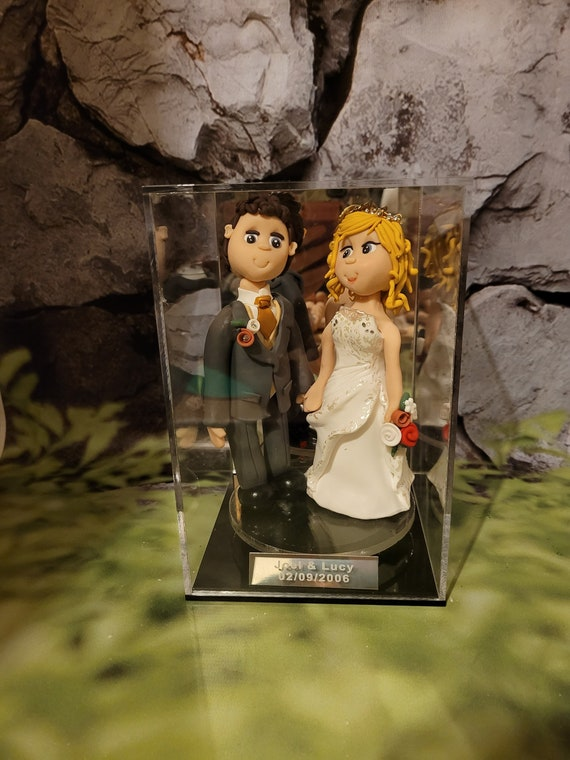 Made to measure Cake topper display case