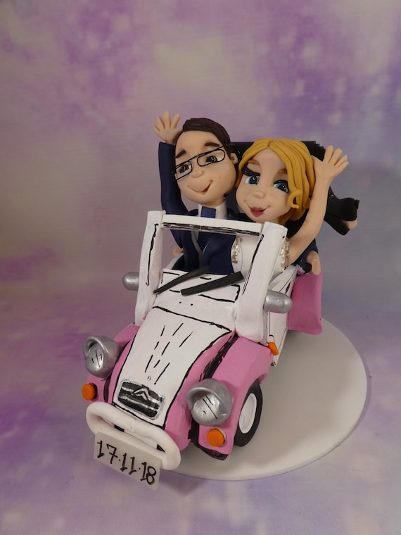 Wedding Cake Topper - Couple in car