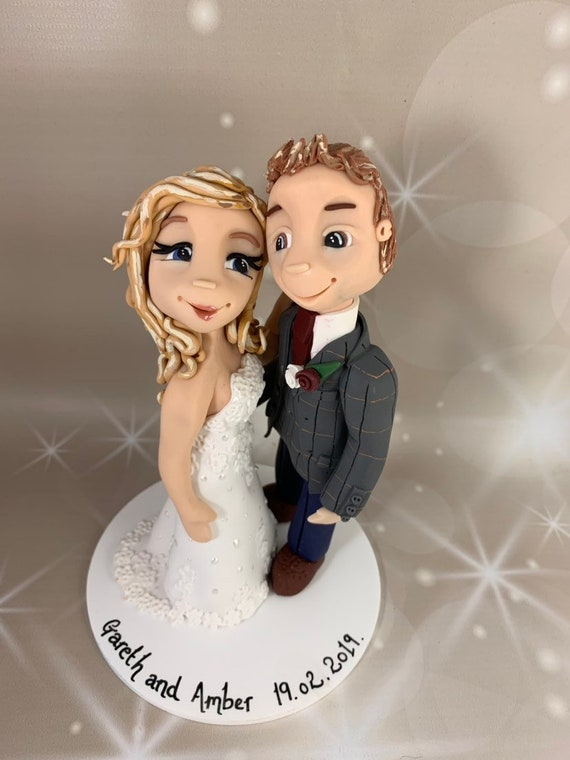 Fully personalised Wedding Cake Topper / wedding gift. Hugging couple - bride and groom /Same Sex wedding