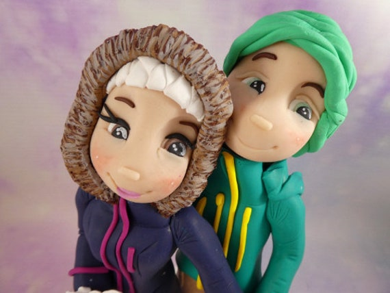 Personalised Wedding Cake Topper - Cute Snowboarding Couple - Polymer Clay figurines Bride and groom/Same Sex Couple