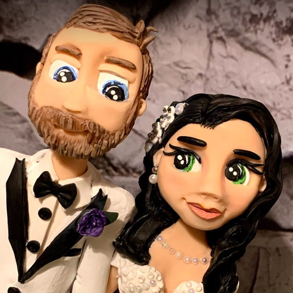 Personalised Wedding Cake Topper - figurines bride and groom/Same Sex Couple - Classical, traditional, beautiful