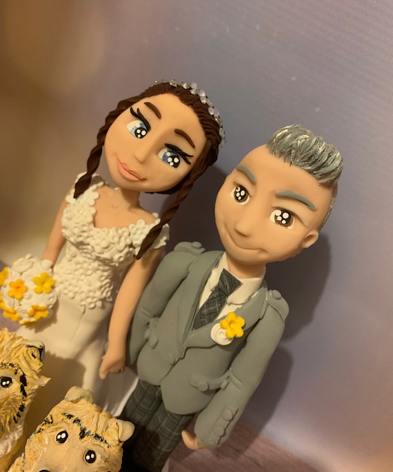 Personalised Wedding Cake Topper - Bride and Groom  Figurines - Couple with Pets/Cats/Dogs