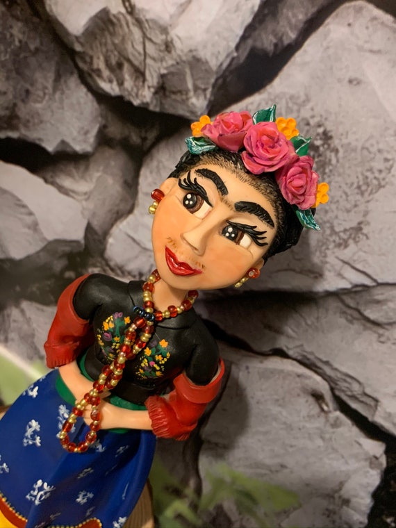 Ooak Frida Kahlo Figurine / statue / doll - beautifully sculpted