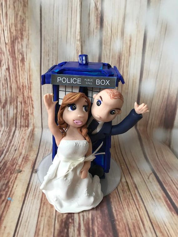 Wedding cake Topper - Tardis