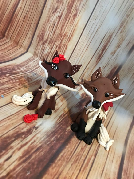 Wedding cake Topper - Fox Bride and Groom