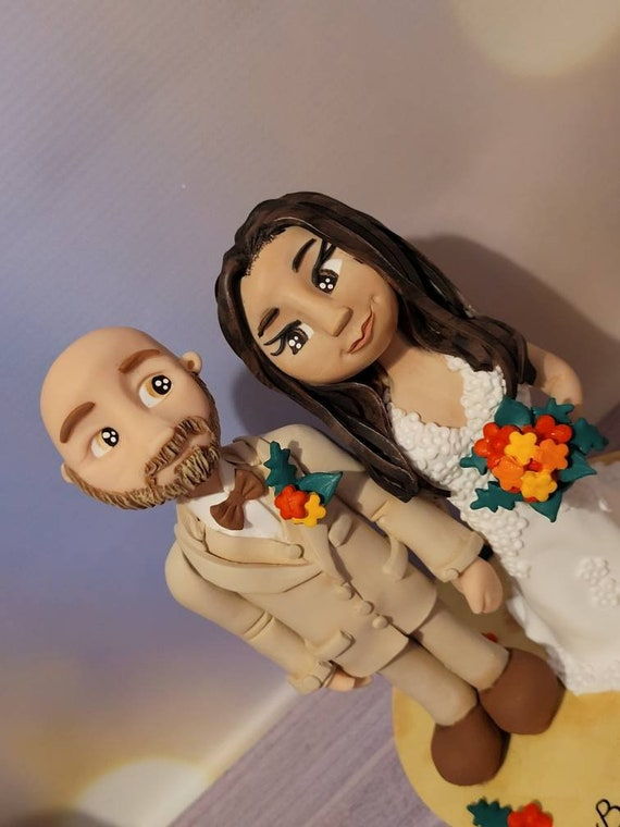 Personalised Wedding Cake Topper - couple on beach with tropical flowers