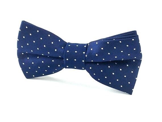 UK. Blue Polka Dot Cotton Pre-Tied Bow Tie /& Pocket Square Set