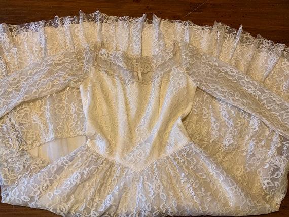 Long 1950s wedding dress