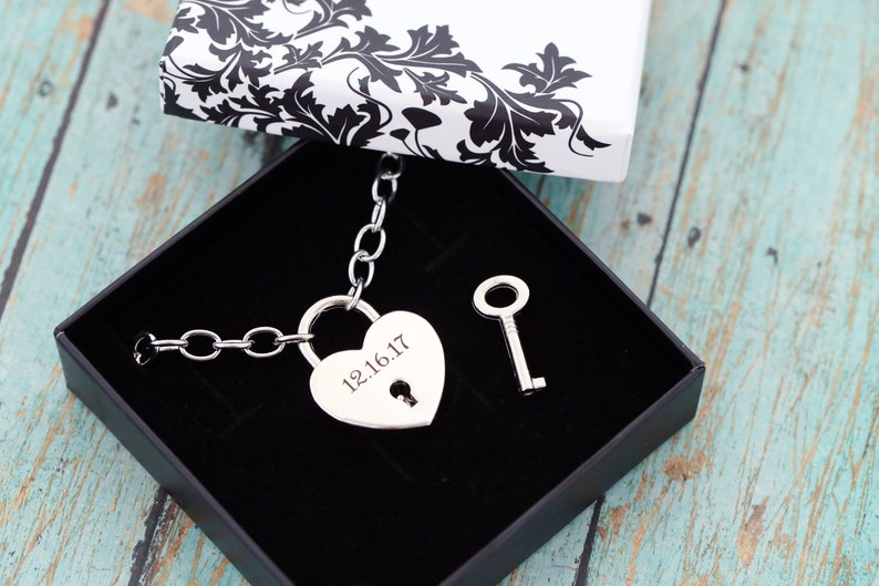 Engraved Locking Necklace  Heart and Key  Locking Day Collar image 0