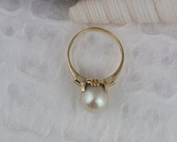 Vintage Solitaire White Pearl Ring in Yellow Gold - image 5