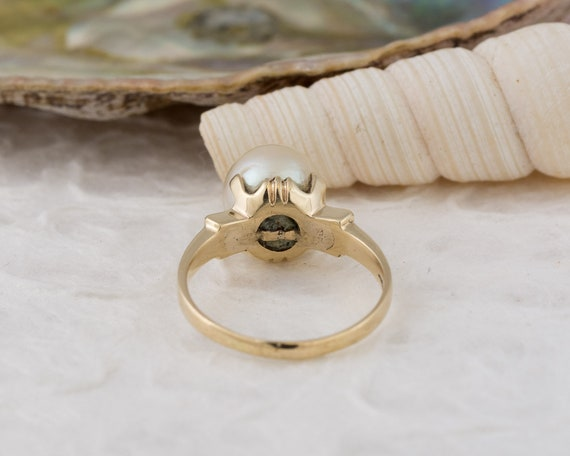 Vintage Solitaire White Pearl Ring in Yellow Gold - image 4