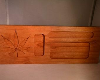 Custom weed rolling tray! Custom leaf engraving