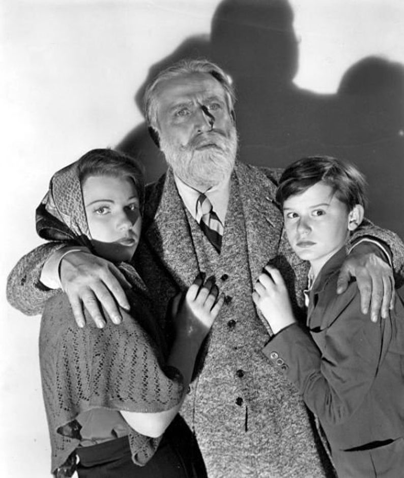 Monty Woolley Anne Baxter and  Roddy Mcdowall from the Pied Piper nice 8.5x11  black and white  photograph ...