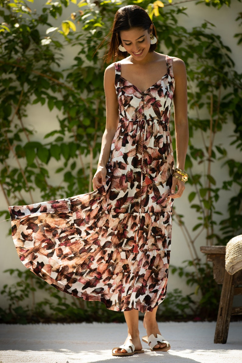 Mid Day Sweetheart Neck Flattering High Waist Isabella Dress Women Casual to Evening Summer Dress Floral White Pink Flared Maxi Dress