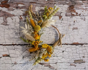 Dried Flower Craft Kit. A make your own mini hoop kit for making tiny flower hoops, includes everything you need
