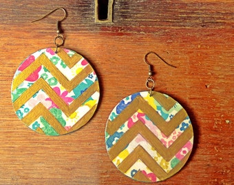 Circle wood earrings, flower and chevron pattern, scrapbook paper