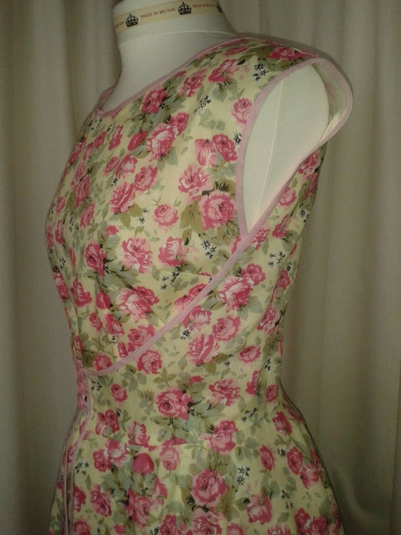 Wrap rose dress vintage pink and inspired vintage fabric cream PSParfq