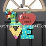 LOVE Teacher Door Hanger, Teacher Classroom Sign, Teacher Door Hanger,Custom Teacher Gift,Gift for Teacher,Christmas Teacher Gift