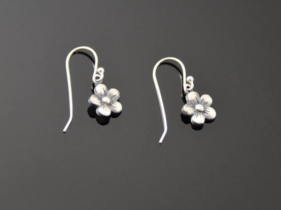 Flower Earrings, sweet, small fine silver drops