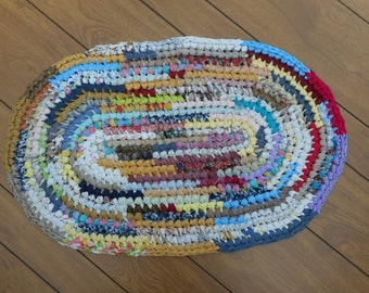 "Crocheted oval ""scrappy"" rag rug (20170630-5)"