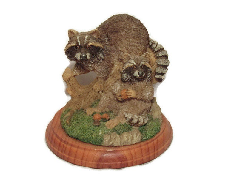 Large Raccoon Country Figurine, Wooden Base, Country Decor, Home Decor,  Vintage Statue