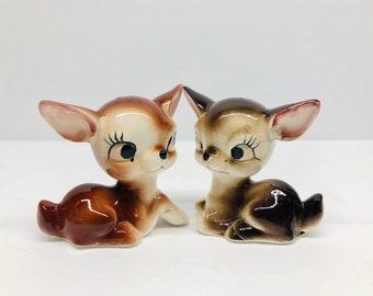 mid century deer shakers kawaii kitsch blue eyed deer japan redware shakers Vintage Kitschy deer salt and pepper shakers cute deer