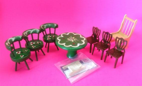Mobilier de maison de poupée miniature, 7 chaises, une Table et une planche à laver