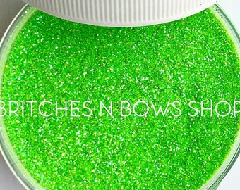 Main Squeeze    Premium Polyester Glitter, 1oz by Weight • TRANSPARENT •    .008 cut
