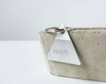 Geometric keychain 'hope' | inspirational gift | quote | aluminium | metalstamps