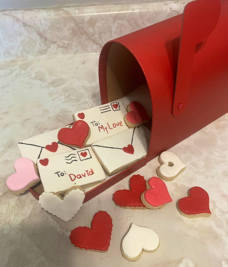 Valentine love letters cookies.