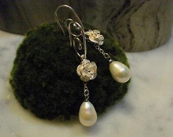 TOM K earrings Mix Match Pandora Flower Camellia Pearl Silver