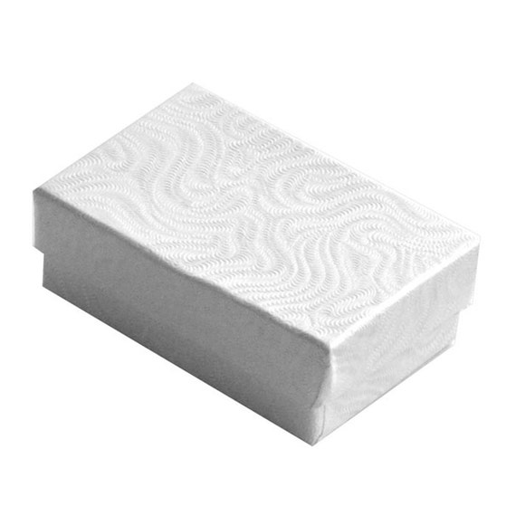 """Lot of 500 Small Silver Cotton Fill Jewelry Gift Boxes 2 1//8/"""" x 1 1//2/"""" x 5//8/"""""""