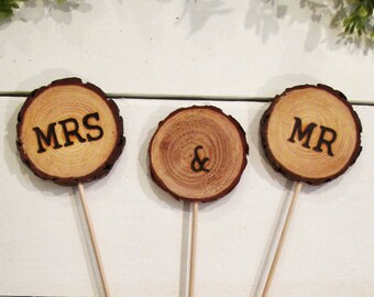 Rustic Mr and Mrs wedding cake topper, wood cake topper, log slice topper, his and hers, wood slice cake topper, rustic wedding decor