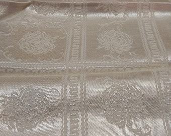 """Gorgeous Vintage Damask Tablecloth with 4 Napkins Chrysanthemums 52"""" x 52"""""""