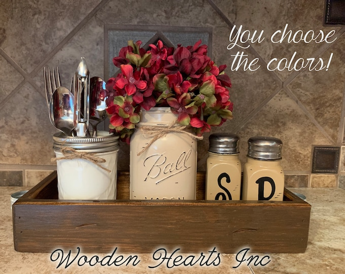 Kitchen Decor Mason Jar 5pc SET in Antique Wood TRAY, Mini Quilted, Pint Vase Flower, Salt & Pepper Shakers Ball Jars Distressed Centerpiece