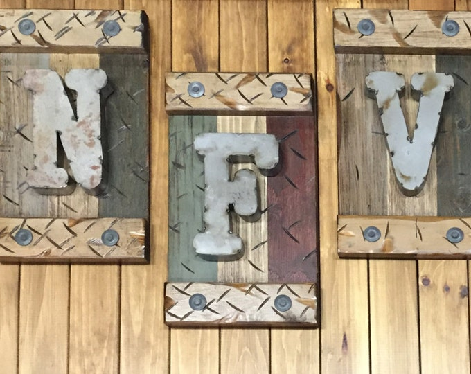 LETTER SIGN Monogram Family Door Sign Rustic Personalized Shutter Distressed Industrial Blue Burgundy Red Metal Pallet Wall Home Decor