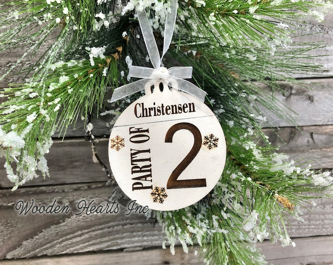 Party of 2 Ornament Personalized Family 1 2 3 4 5 6 7 8 Christmas Last Name Couple First Xmas Wood Engraved Custom Tree Decor Wedding Gift