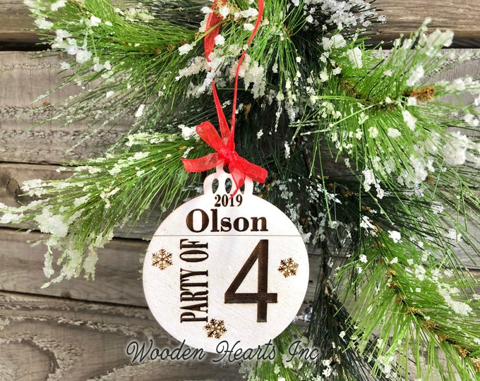Party of 4 Ornament Personalized Family 1 2 3 4 5 6 7 8 Christmas Last Name Year First Xmas Wood Engraved Custom Tree Decor Wedding Gift