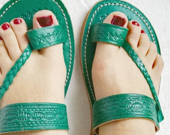 424f9106bc40 Green sandals