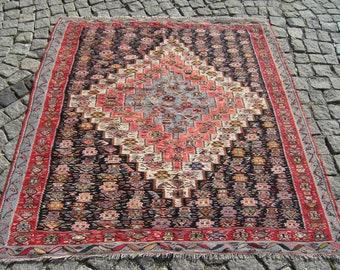 Fabulous Turkish East Anatolian Oriental Senneh Kilim 55,5'' X 58,6'' Inches
